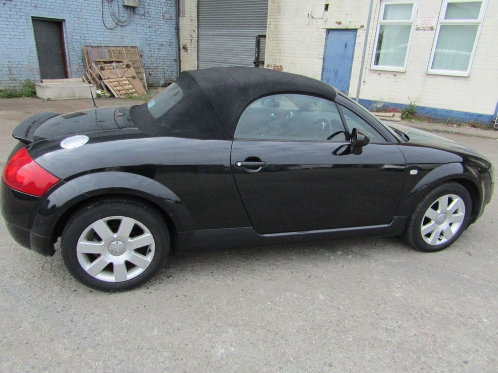 2005 Audi 1.8i Convertible roadster, 131,608 Miles (unchecked) MOT until 01/06/2021, Has part - Image 2 of 16