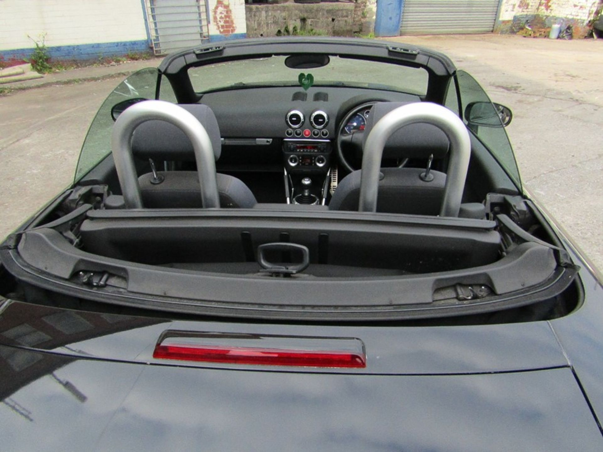 2005 Audi 1.8i Convertible roadster, 131,608 Miles (unchecked) MOT until 01/06/2021, Has part - Image 14 of 16