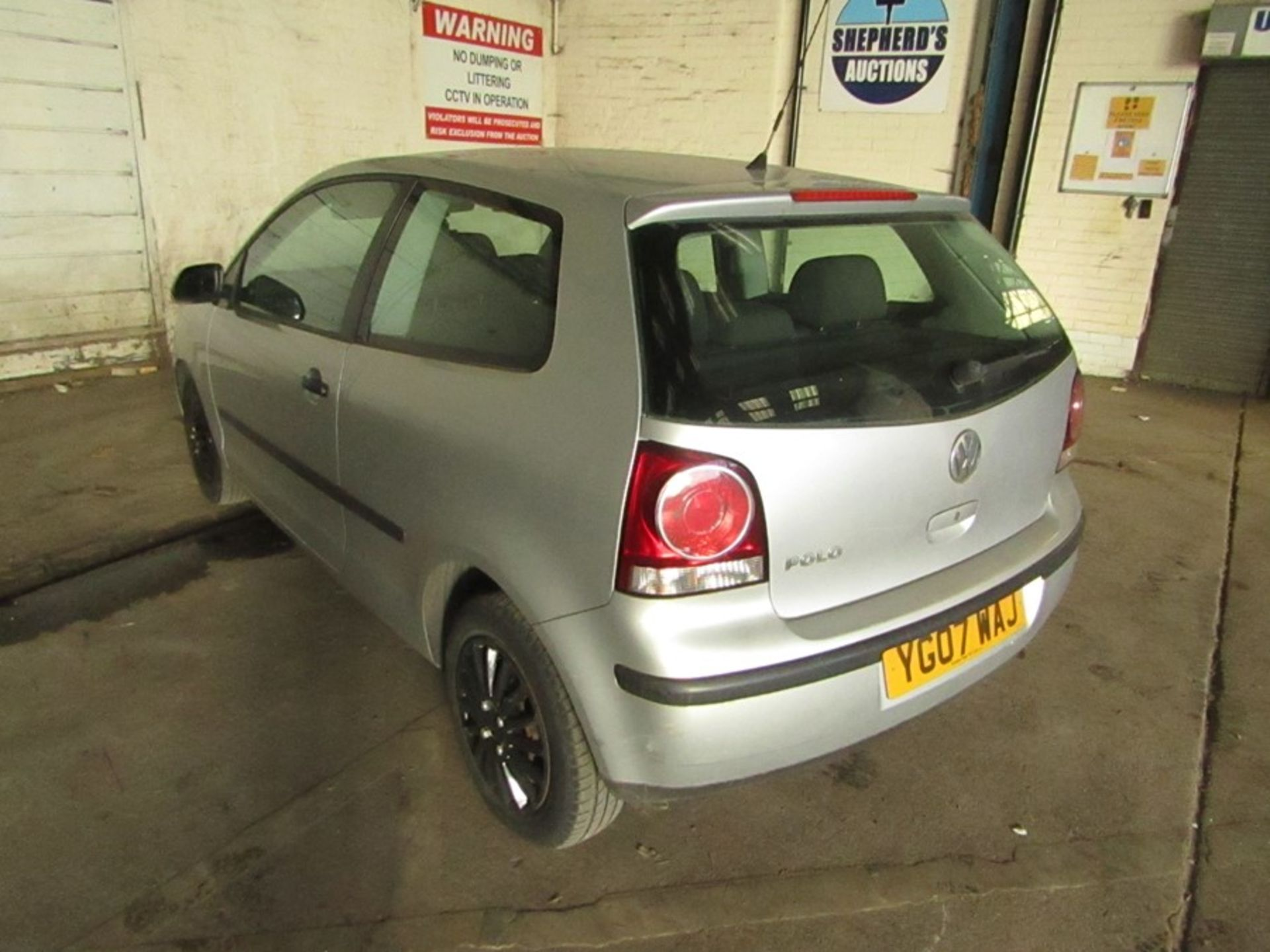 2007 Volkswagen Polo 1.2L hatchback, starts and drives 70,294 Miles Failed MOT 12/09/2020 due to; - Image 4 of 9