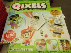 Qixels - Design Creator - Unchecked & Boxed.