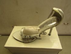 Shalamar Zaif Size 6 Ladies Shoes. New & Boxed. See Image for Design