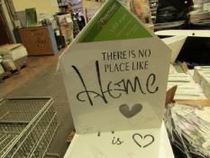 5 x 'Heart is Where The Home Is' Light up Plaques. Packaged but untested