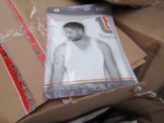 | 1X | PALLET OF APPROX 390 TONE TEE COMPRESSION tops, NEW IN PACKAGING SIZE XL, PALLET MAY