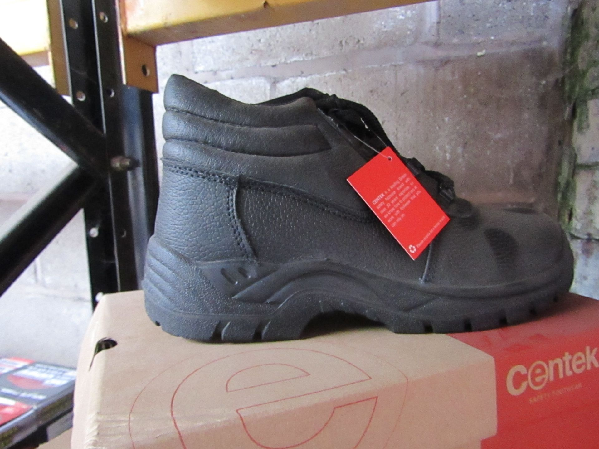 Lot 82 - Centek - Black Steel Toe Cap Boot - Size 9 - New & Boxed.