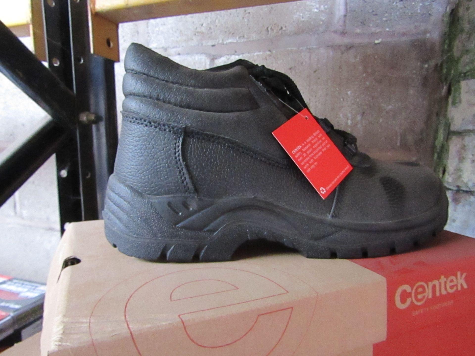 Lot 84 - Centek - Black Steel Toe Cap Boot - Size 9 - New & Boxed.