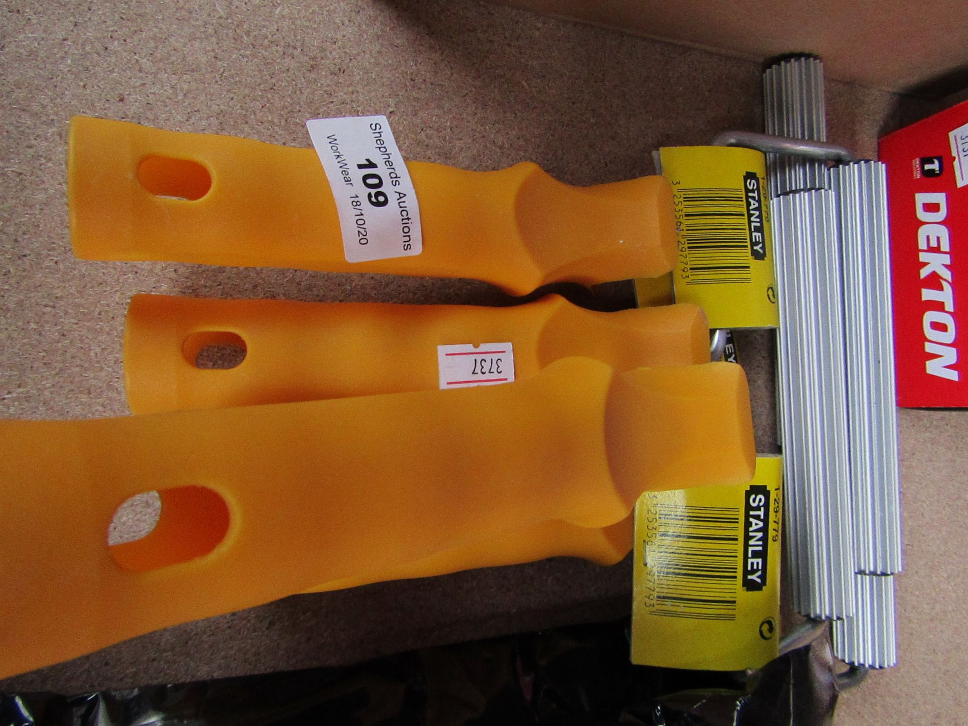 Lot 109 - 4x Stanley - Small Rollers - Good Condition.