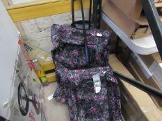 Set of 2 Free flyer roller bags, both look unused (no Guarantee)