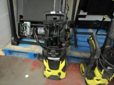 Karcher k5 premium pressure washer, powers on and the motor makes a noise but not connected it to