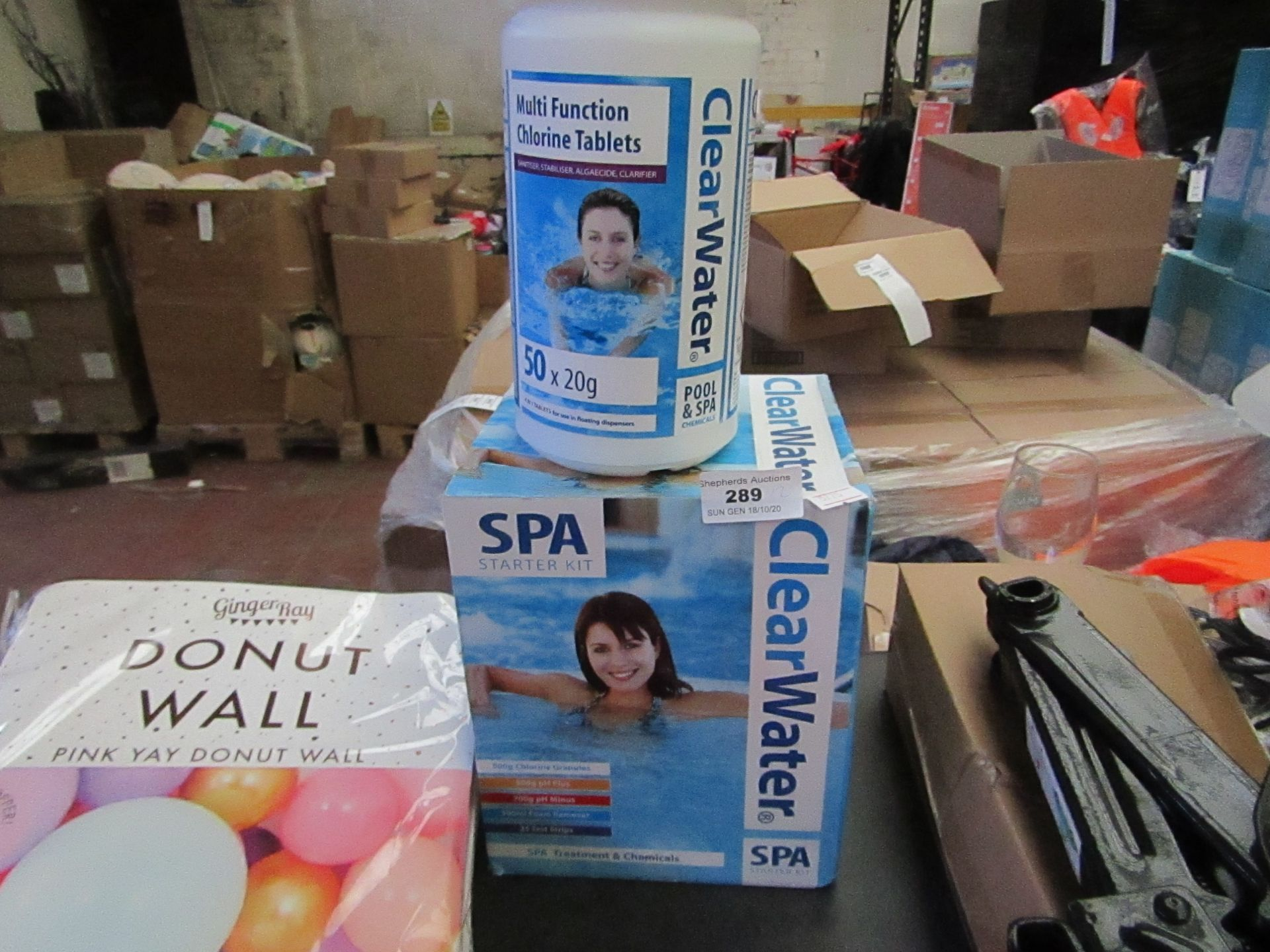 Lot 289 - 2 items Being a Clear Water Spa Starter Set & 50 x 20g Multi Function Chlorine Tablets. Both Look