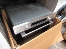 Bosch - Intergrated Oven/Grill - Looks Unused in Good Condition. - Unable to Test Due to No Plug -