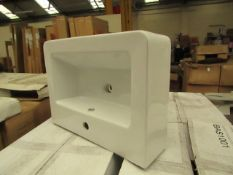 Standard wash basin 600 x 440mm, new and boxed. BAS1001