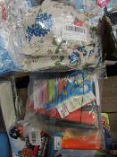 2 Items Being 15 x Small Gift bags & Kids Activity Set. All unsued