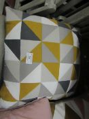 | 1X | MADE.COM SCATTER CUSHION | UNCHECKED MAY HAVE SLIGHT DIRTY MARKS |
