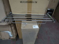 10x Triple towel rail in chrome, new and boxed.
