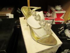 1 x pair of Unize by Shalimar Shoes size 7 new & boxed see image for design