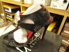 1 x pair of Unize Couture Shoes size 5 new & boxed see image for design