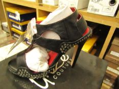 1 x pair of Unize Couture Shoes size 3 new & boxed see image for design