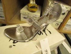 1 x pair of Unize by Shalimar Shoes size 5 new & boxed see image for design