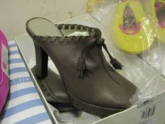Scorah Pattullo heels, size 2.5, boxed.