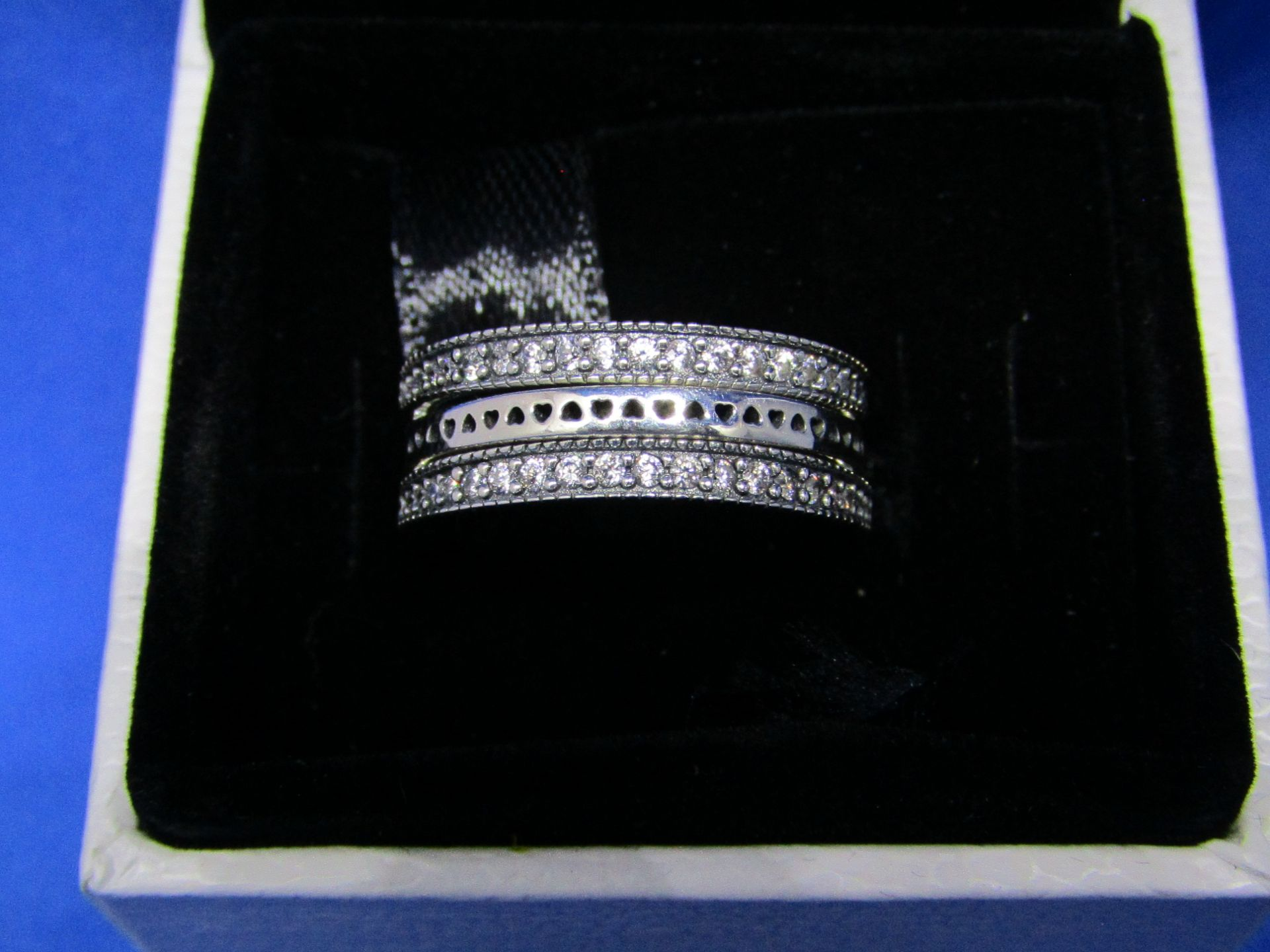 Pandora Flip Ring size 52, new in presentation box