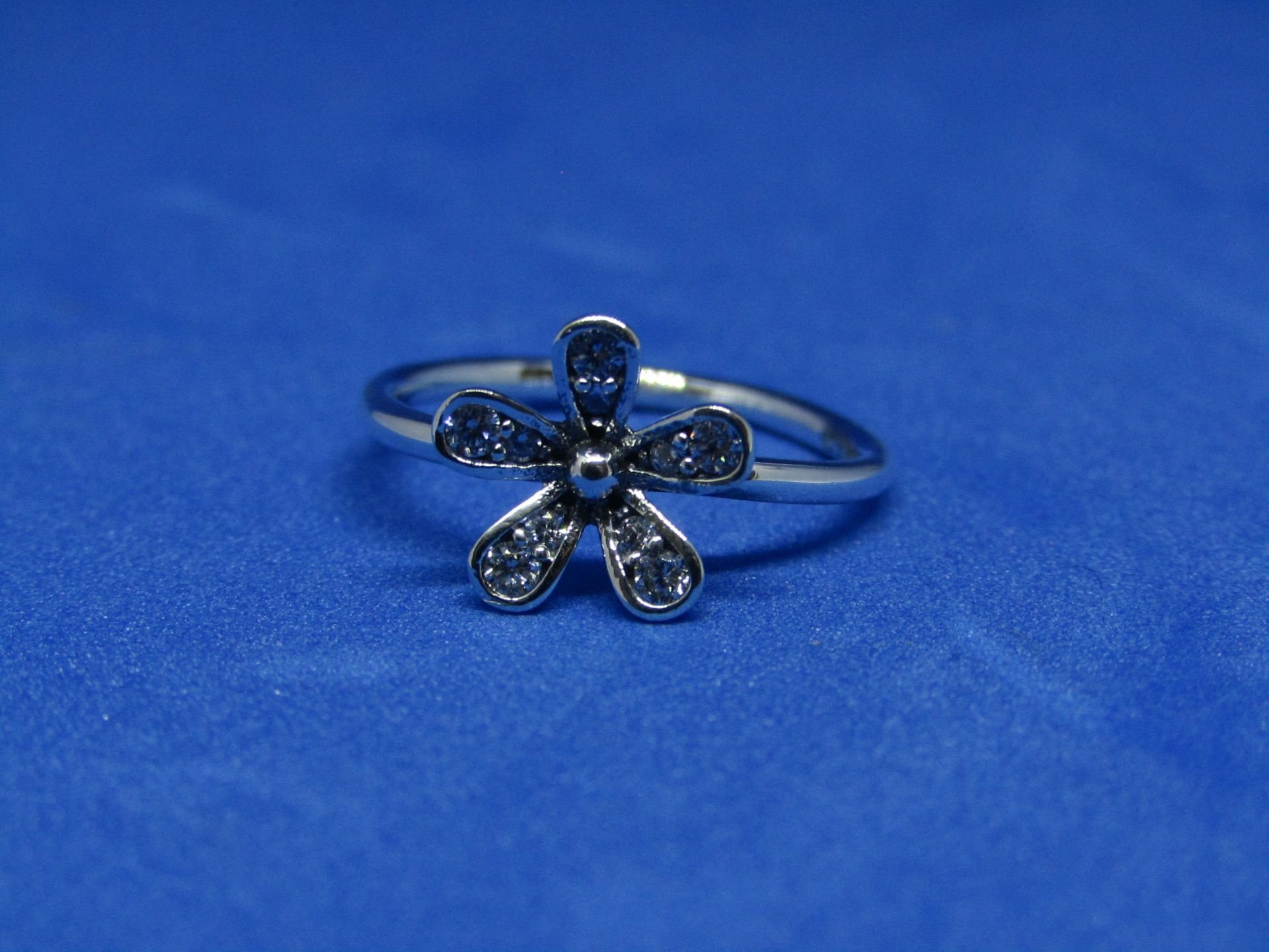 Pandora Ring size 54, new with presentation bag
