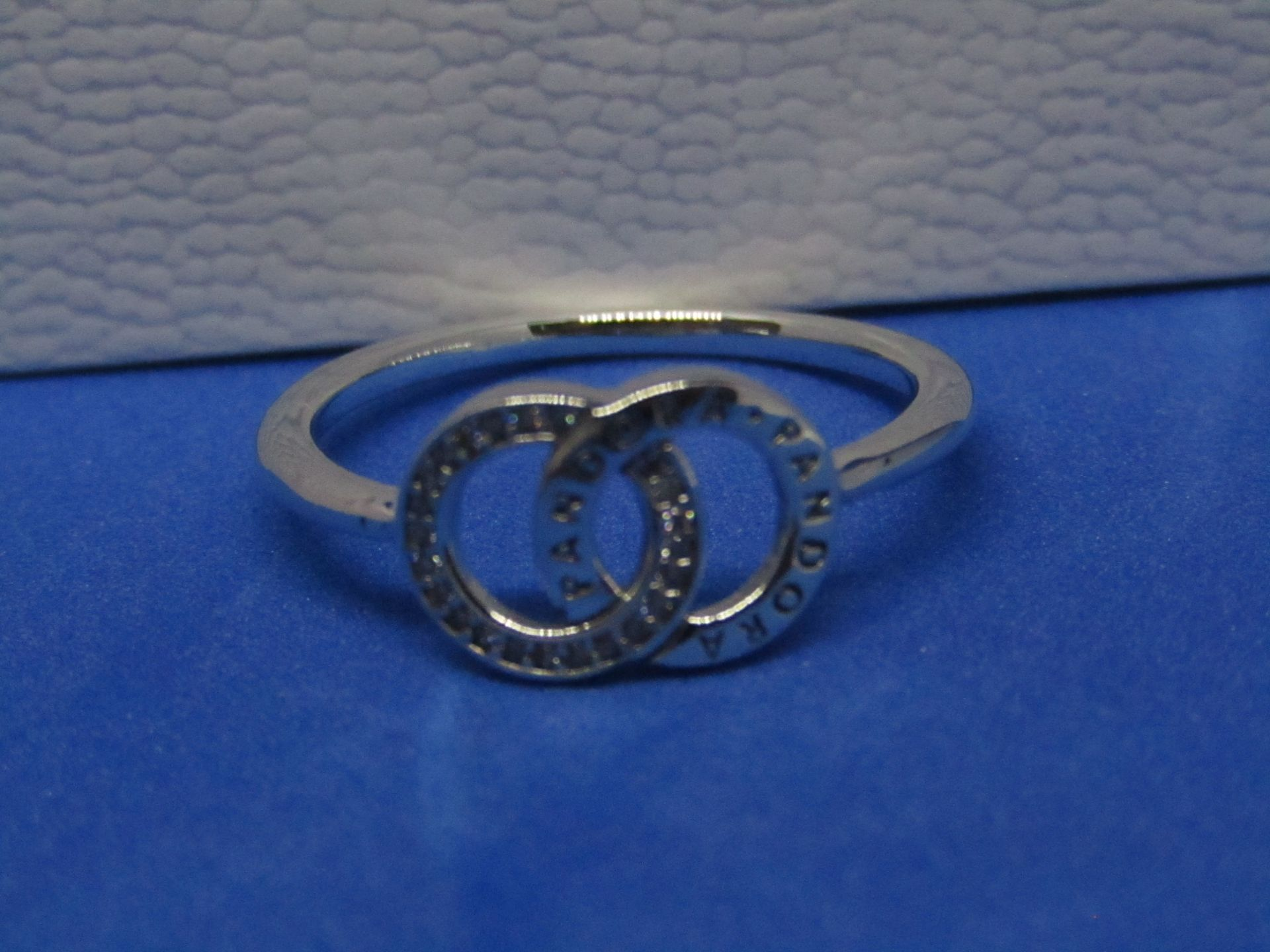 Pandora Ring size 60, new in presentation box