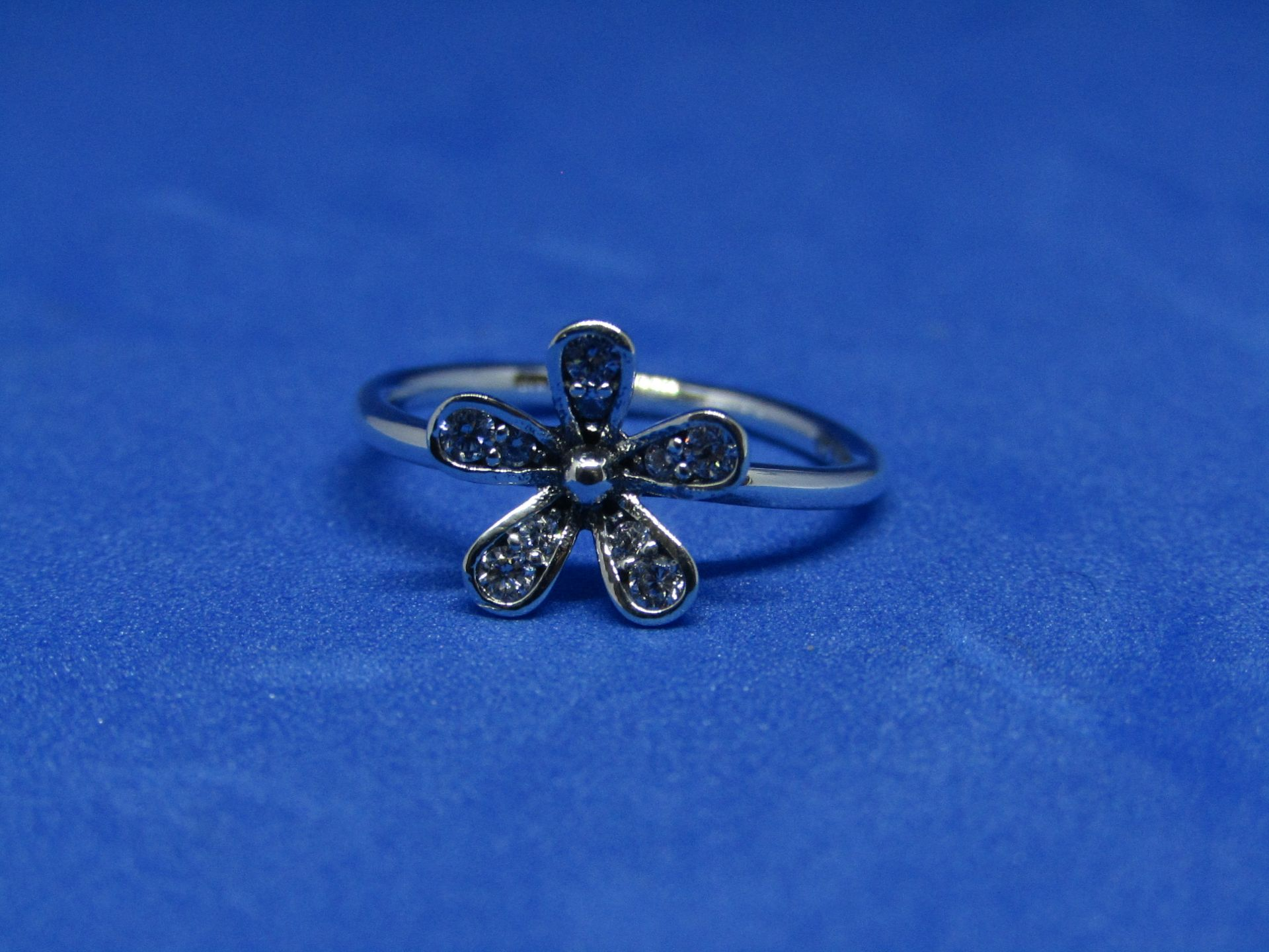 Pandora Ring size 60, new with presentation bag