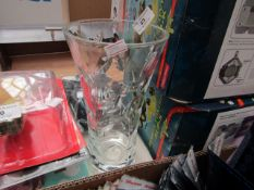 Glass Varse 26cm Tall - Good Condition.