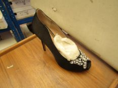 1 x Pair of Unze By Shalimar Shoes. Size 4.New & Boxed. See Image For Design