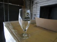 Pallet of approx 1176 Magners 1/2 Pint glasses, new and boxed