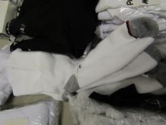 5 Pairs of Mens Sports Socks. Size 6 - 11. Unworn