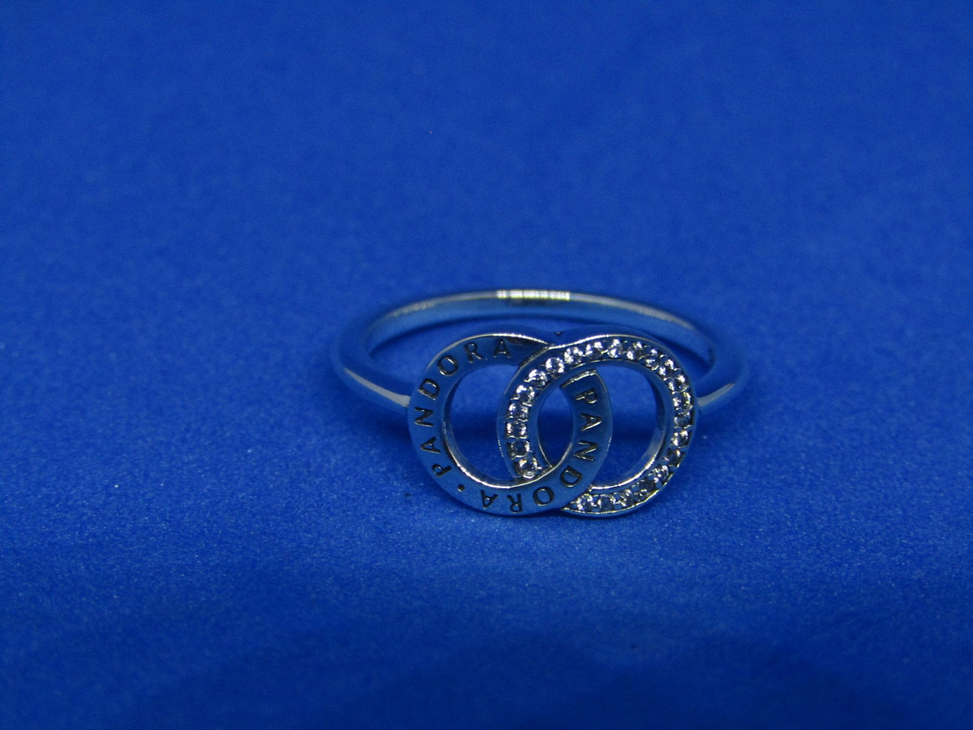 Pandora Ring size 52, new with presentation bag