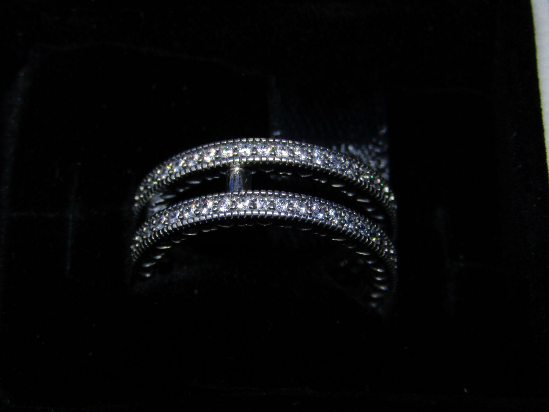 Pandora Ring size 50, new in presentation box