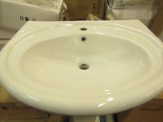 Victoria Plumb - Basin 630 - New And Boxed