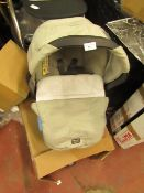| 1x | TUTTI BAMBINI CAR SEAT AND FOOT MUFF WITH ISOFIX CAR BASE | BOTH LOOK IN GOOD CONDITION |