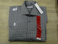 Calvin Klein Slim Fit long Sleeve men's Shirt Size Med, Wrinkle Free, New with tags,(See Picture for