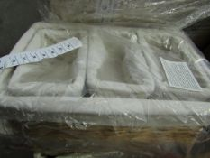 Vinitque Wise - Set of 4 Baskets With Fabric Inside Lining - Unused & Packaged.