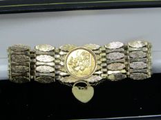 NO VAT!!! 9ct Gold Seven Bar Gate Bracelet with Full Sovereign 1979 Coin with fastening Padlock