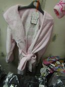 Girls Fleecy Dressing Gown Aged 7-8yrs New With Tags Has A Couple Of Marks On Needs Washing