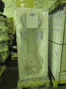 Pallet of 8x Roca Body Plus 1700 x 750 bathtub, new and packaged with feet. RRP £300.00