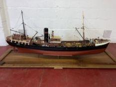 Red Falcon L04 Trawler Ship/boat/vessel 1:30 Scale Model