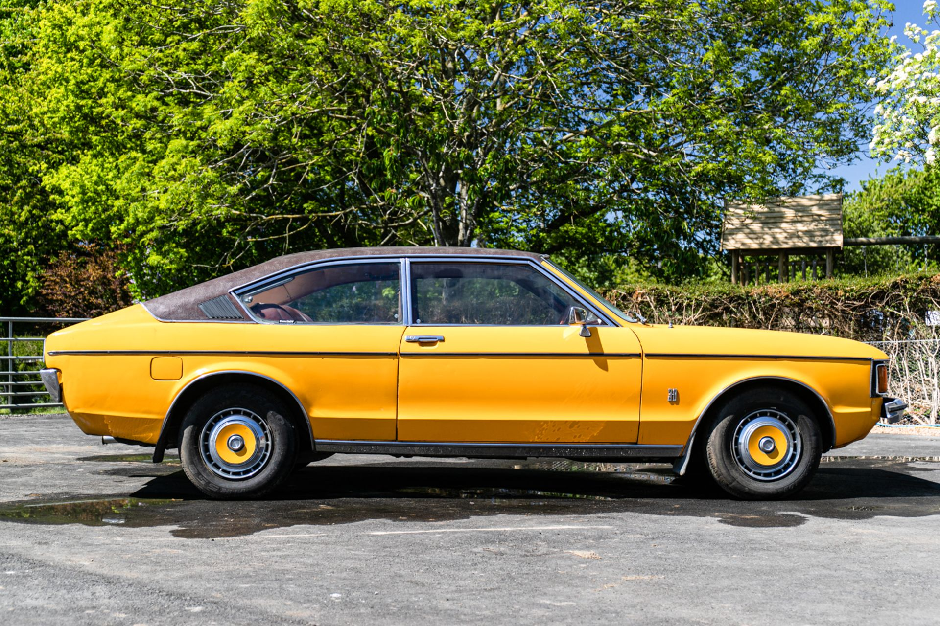 Lot 108 - 1976 Ford Granada Coupe 3000 XL
