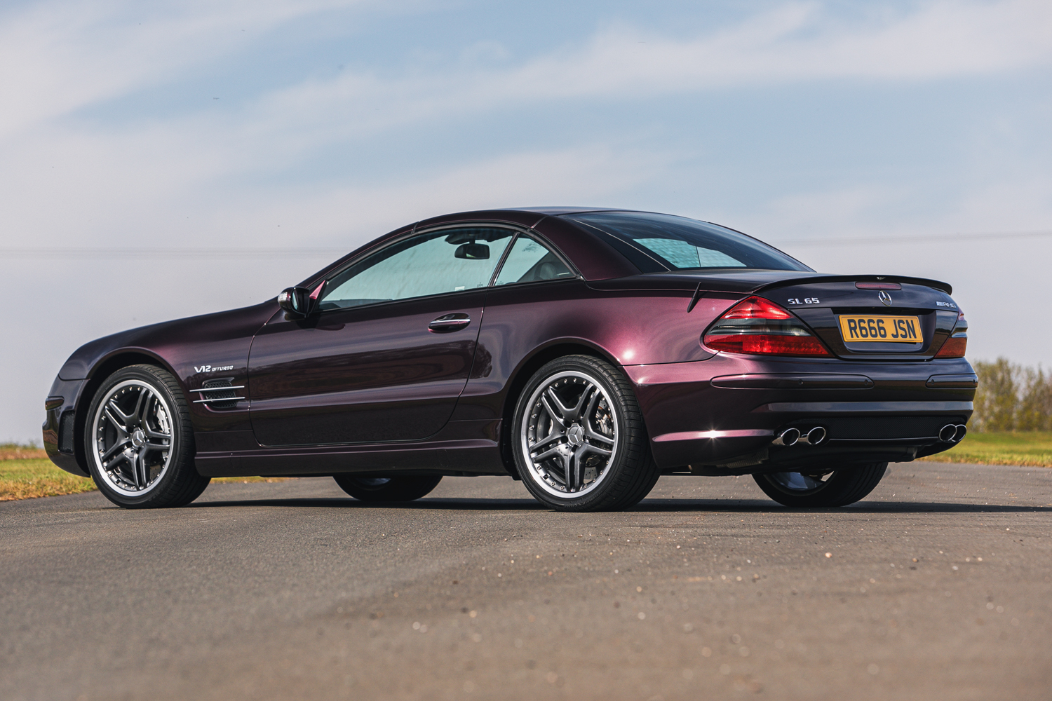Lot 123 - 2004 Mercedes-Benz SL65 AMG (R230)