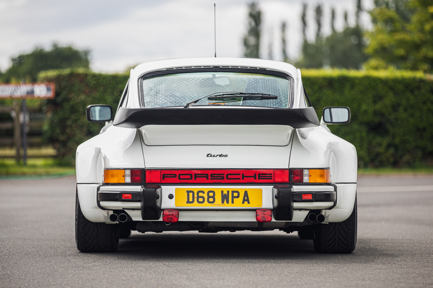 Lot 561 - 1986 Porsche 911 (930) Turbo 'Flachbau'