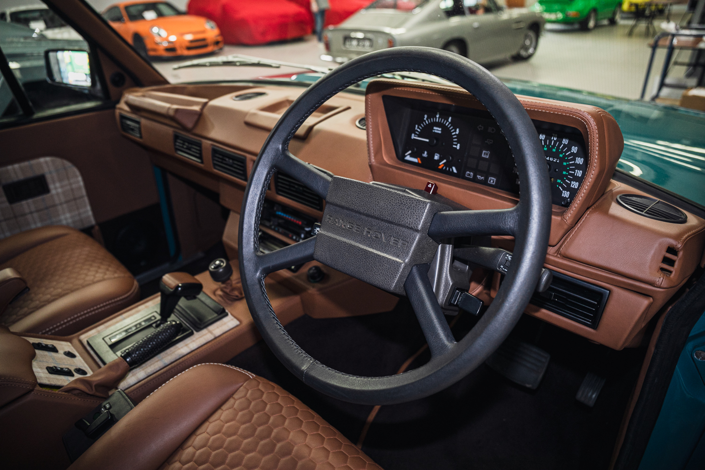Lot 602 - 1992 Range Rover 4.5 SE KR Retromod - From Jay Kay
