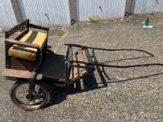 EXERCISE CART to suit 12 to 13.2hh pony. A black painted metal framed body in natural varnished woo