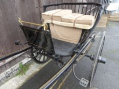 SPINDLE BACK GIG circa 1970/80's to suit 11 to 12hh pony.