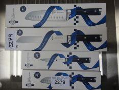 4 Le cordon Bleu knives. This item carries VAT.