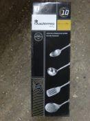 Set of 4 utensil sets. This item carries VAT.