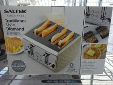 Salter 4 slice toaster. This item carries VAT.